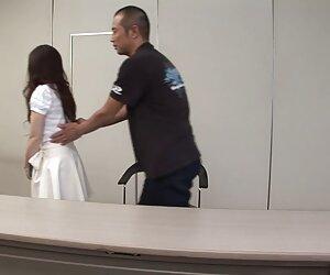 Milf tetona se pareja universitaria follando burla y aceita en la cámara