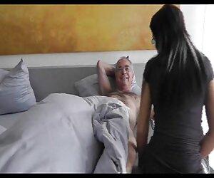 Puta fabulosa seduce videos de parejas con travestis a un tipo moreno para follarla lentamente